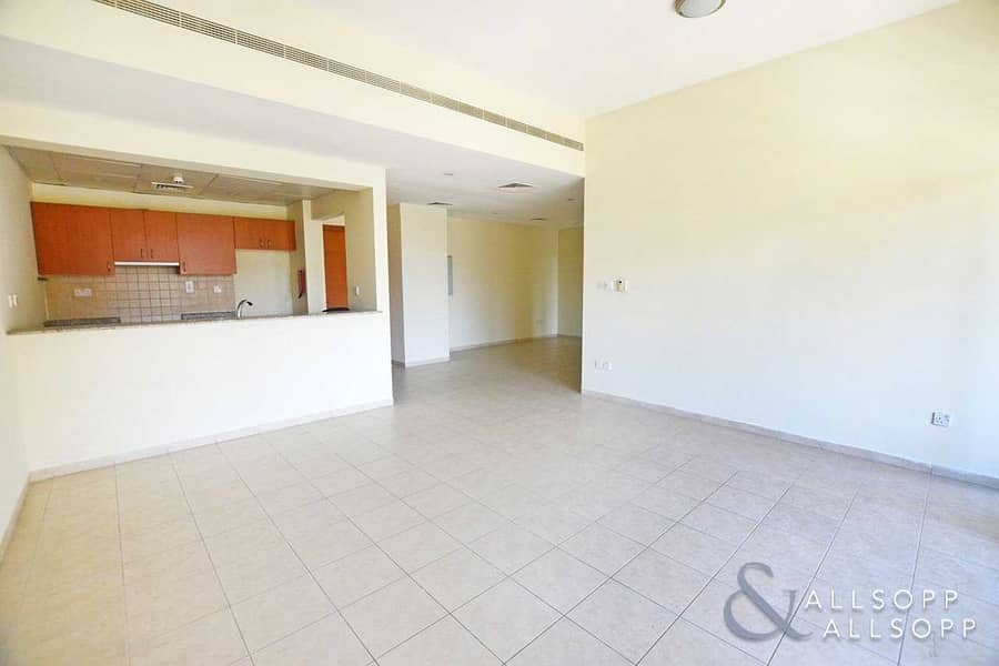 3 Bed | Pool Views | Vacant On Transfer