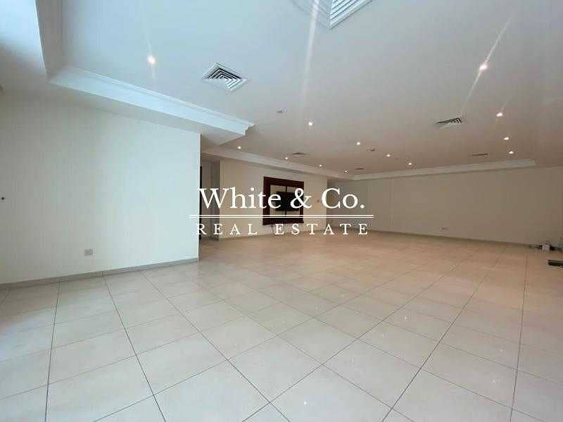 16 Large layout | Fully fitted kitchen | Spacious 3 Bed