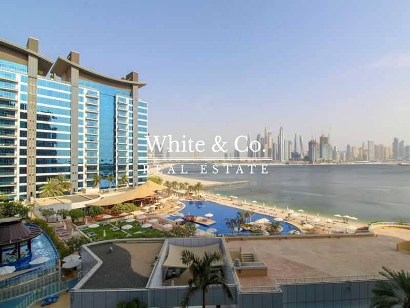 2 Sea Views| Mid Floor| AVAILABLE JUNE