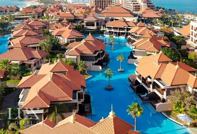 10 Resort + Palm Views | Motivated Sellers