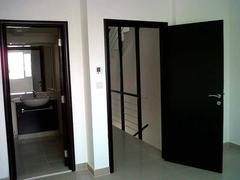 12 Villa In Arabian Community ready to move.