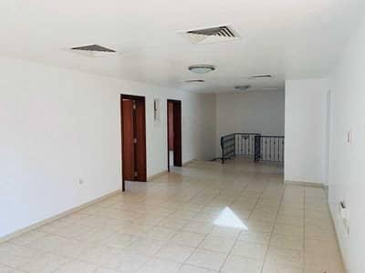 فیلا 4 غرف نوم للبيع في مدينة بوابة أبوظبي (اوفيسرز سيتي)، أبوظبي - Perfectly Priced 4 Bedroom Villa in Seashore !