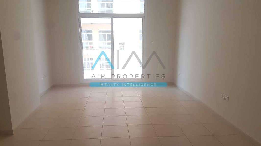 beautiful 2 Bedroom Apartment for with Balcony in Liwan Q Point
