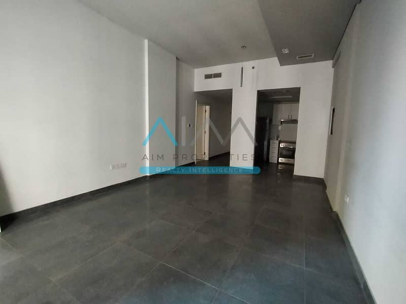 Amazing 1BHK Available In Prime Location In DSO With Balcony