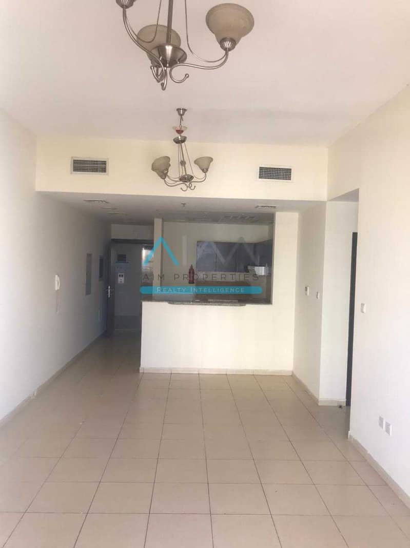 2 SPACIOUS OPEN VIEW 2 BHK FOR RENT 34,000 AED 4 Chqs