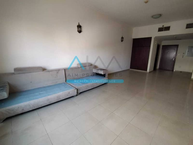 Grand 1 Bedroom Apartment For Sale In Silicon With Closed Kitchen