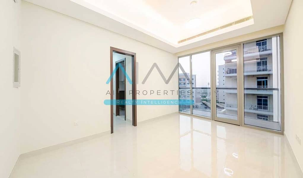 2 BIG TARACE SPACIOUS BRIGHT HUGE 2 BEDROOM WITH 1 MONTH FREE ZERO COMMISSION