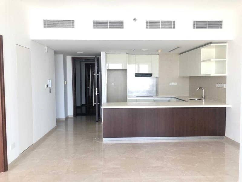 14 Luxurious-One Bed|Balconies|Prime location