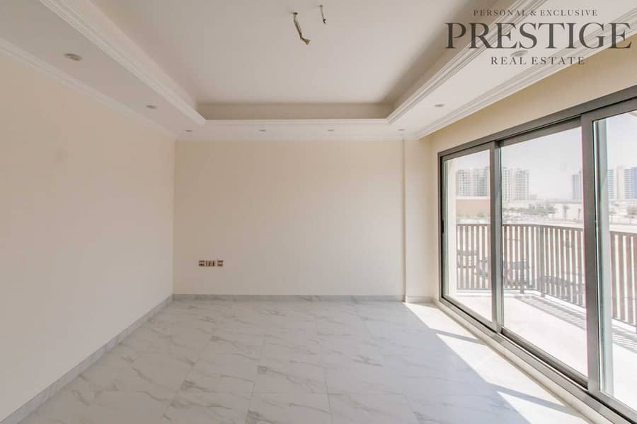 2 5 Bedroom Large   Brand New Townhouse   Park
