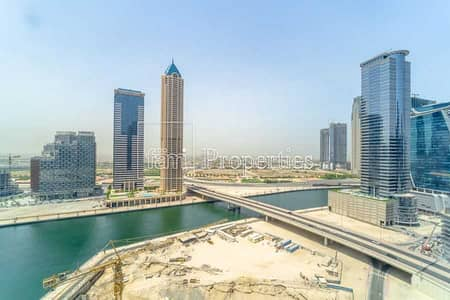 طابق تجاري  للبيع في الخليج التجاري، دبي - Walk to Metro | 15 Parking | Shell and Core