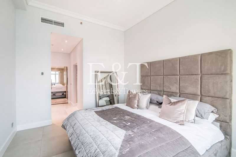 21 Penthouse Level   Fully Upgraded   Next to Mall