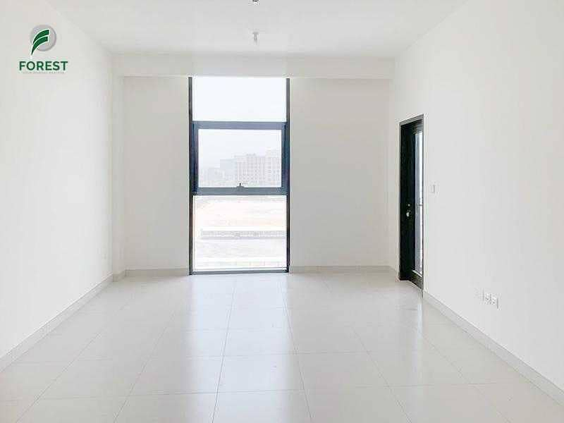 Stunning Unit  1 Bed   Great Deal   Vacant