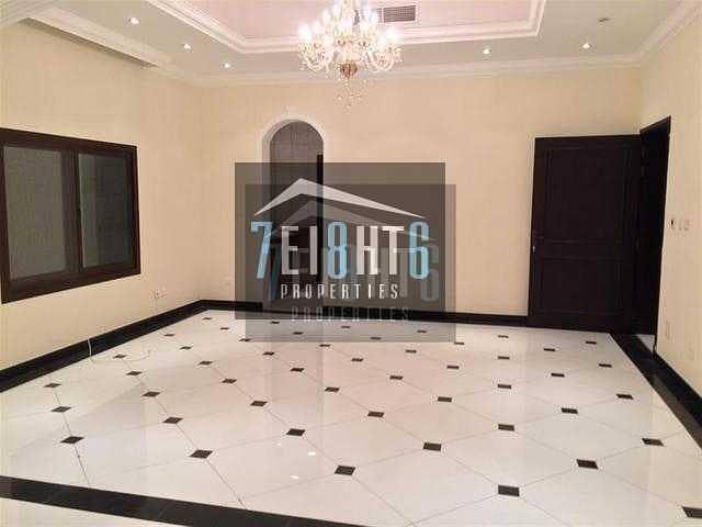 2 Outstanding luxury: 5 b/r villa high quality finishing maids drivers swimming pool garden