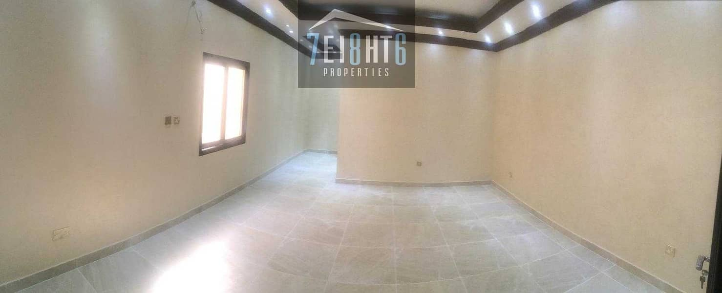 Beautifully presented: 4 b/r good quality mulhaq type indep villa + large garden area for rent in Mizhar 1