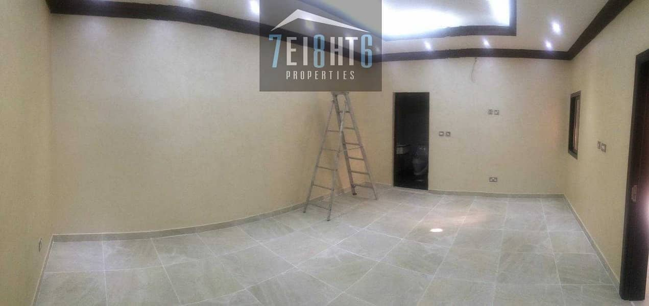 5 Beautifully presented: 4 b/r good quality mulhaq type indep villa + large garden area for rent in Mizhar 1