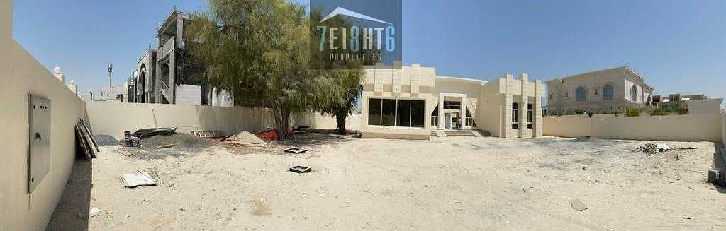 Excellent property: 4 b/r good quality indep villa + maids room + large garden for rent in Al Sufouh
