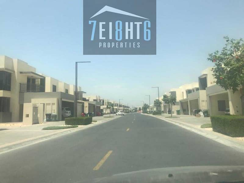 14 Outstanding property: 5-6 b/r good quality semi-independent villa + maids room + large garden for rent in Dubai Hills