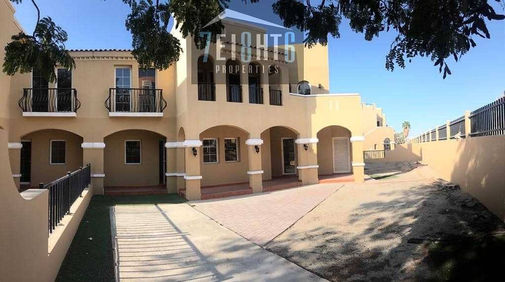Beautifully presented: 4 b/r good quality semi-indep villa + maids room + large garden for rent Al Sufouh