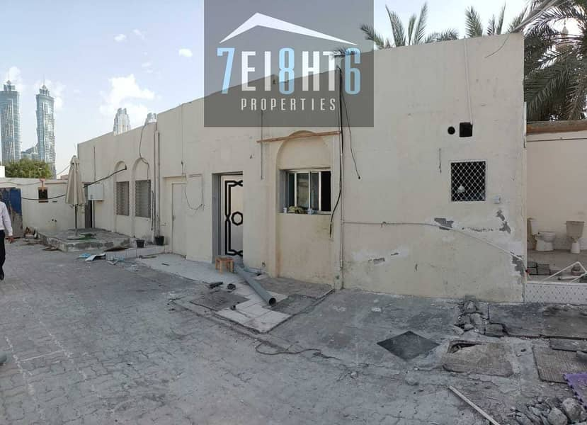 4 Outstanding property: 3 b/r good quality indep villa + maids room + large garden for rent in Al Wasl.