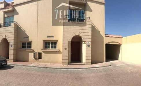 فیلا 3 غرف نوم للايجار في الراشدية، دبي - Beautifully presented: 3 b/r good quality semi-independent villa + maids room + large garden for rent in Rashidiya