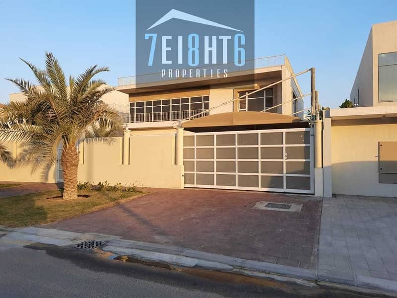 11 Outstanding property: 5 b/r good quality independent villa + servant quarters  + garden for rent in Khawaneej 1