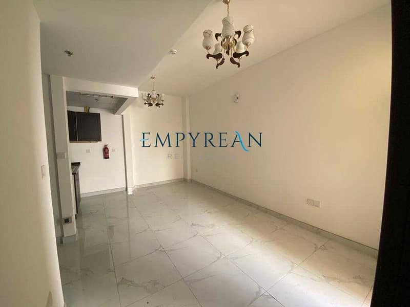 Cheapest Apartment all over Jaddaf    With Balcony