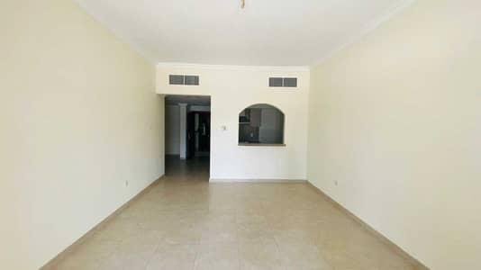 شقة 2 غرفة نوم للايجار في الصفوح، دبي - شقة في مبني الكاظم الصفوح 1 الصفوح 2 غرف 60000 درهم - 5179494