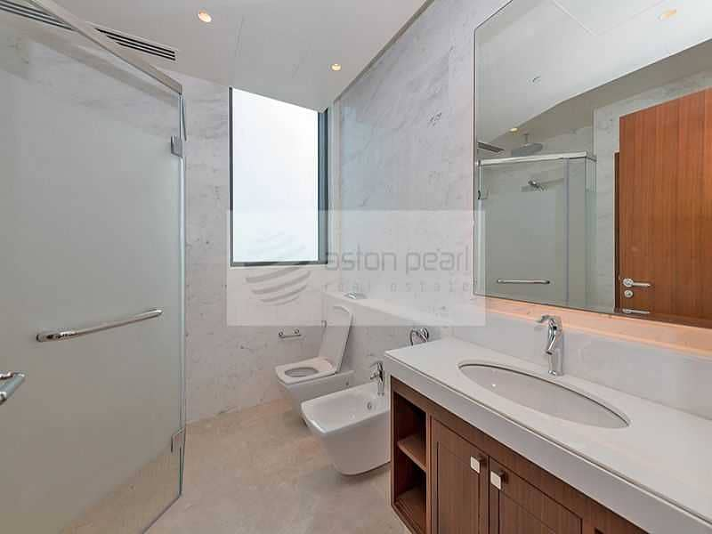 16 Price Reduced 4BR with Own Lift Penthouse Tenanted