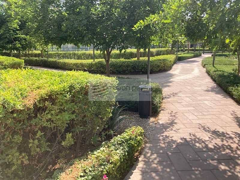 20 Corner Villa Lantana | Type 4D4 | Large Plot 4BR