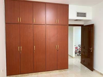 فلیٹ 1 غرفة نوم للايجار في الخالدية، أبوظبي - شقة في مركز المهيري الخالدية 1 غرف 40000 درهم - 5263481