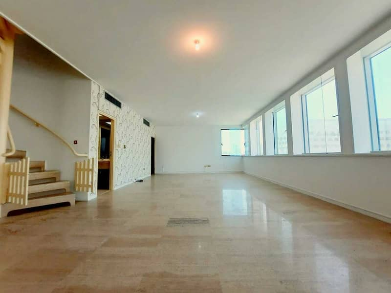 SUPER SPECIOUS 3 BHK DUPLEX APARTMENT IS AVAILABLE WITH LAUNDRY AND WITH STUDY  NEAR TO ABU DHABI MALL