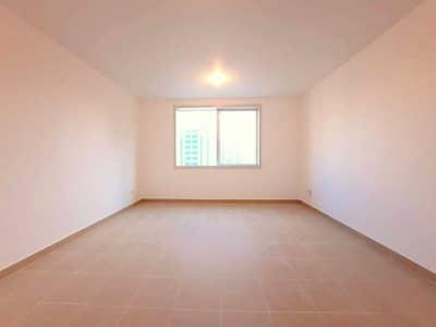 فلیٹ 2 غرفة نوم للايجار في منطقة النادي السياحي، أبوظبي - شقة في بناية زيك زاك منطقة النادي السياحي 2 غرف 56000 درهم - 4991423
