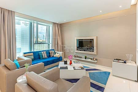1 Bedroom Flat for Rent in Business Bay, Dubai - Huge Fully Furnished w/Balcony! Like New