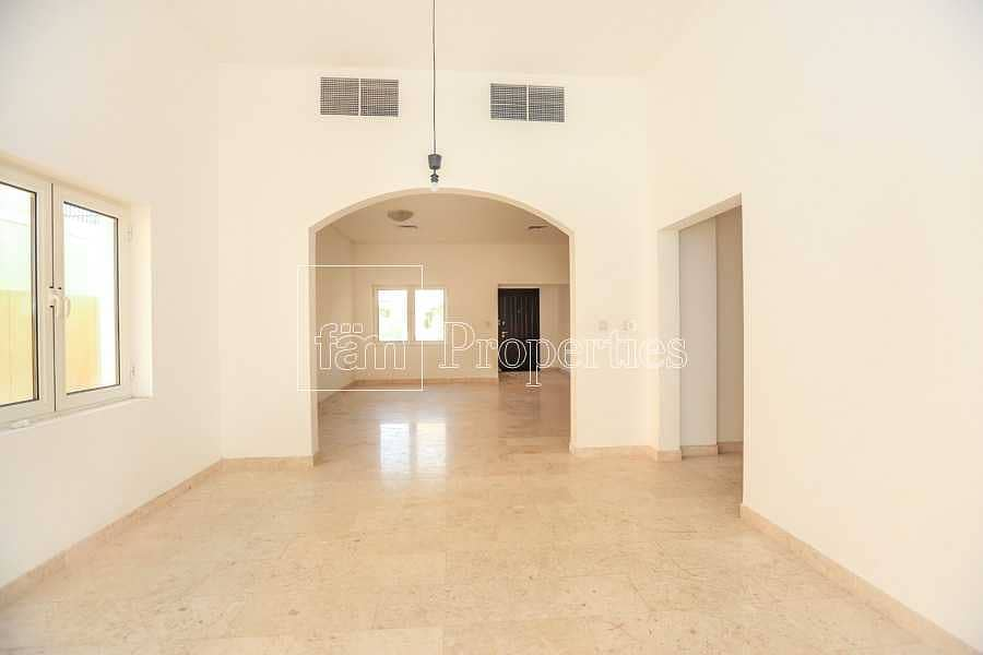 2 Beautiful 5 BR-A1 w/ Pool| Walking to Tennis Court