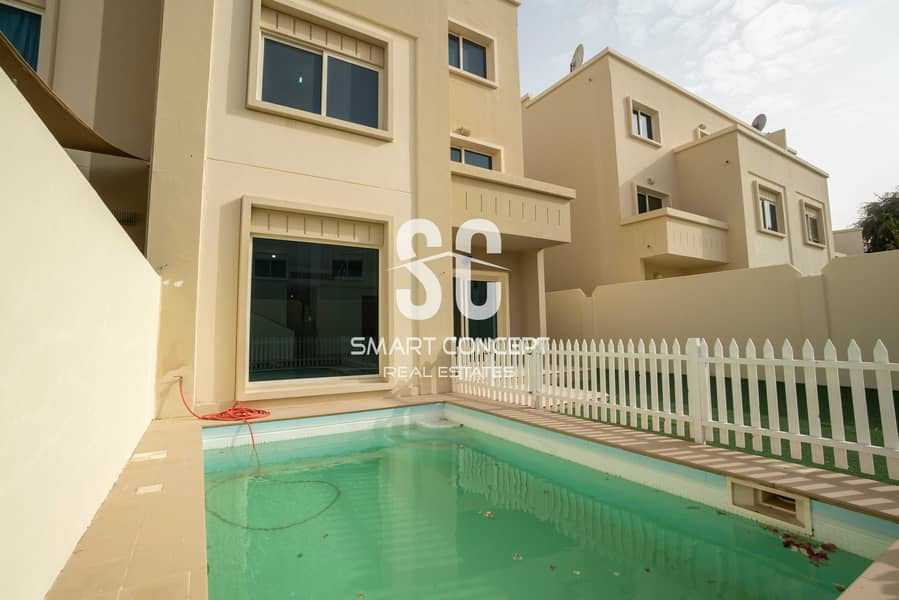 2 Single Row | Private Pool and Garden | Large Terrace