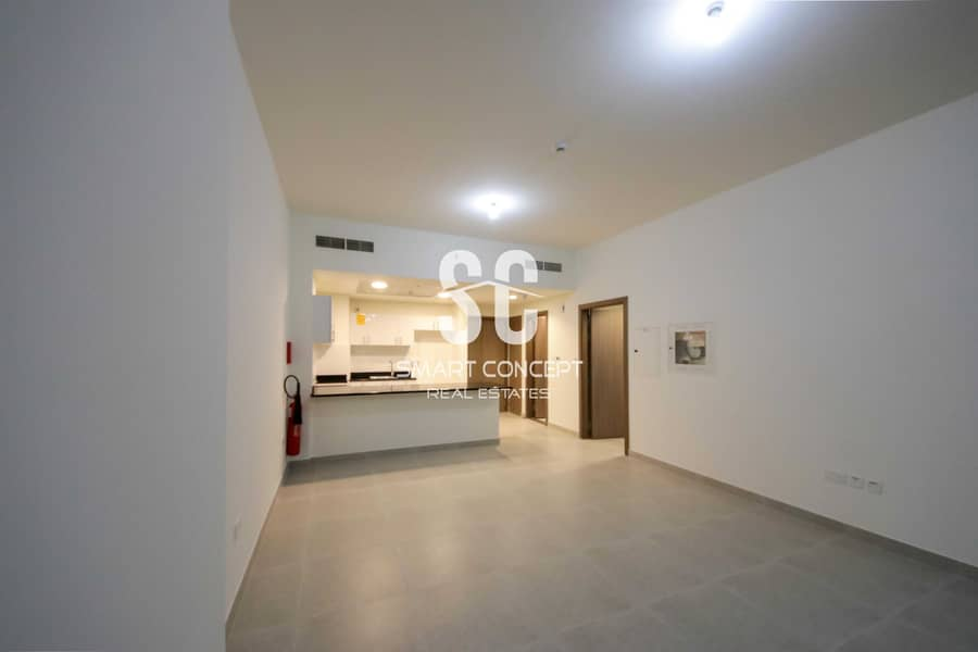 2 Luxurious Apartment w/ Balcony Perfect To Live In