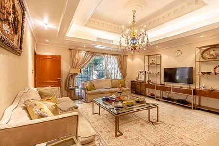 8 Bedroom Villa for Sale in Jumeirah, Dubai - Spacious 6 beds luxury villa with 2 beds guest suite