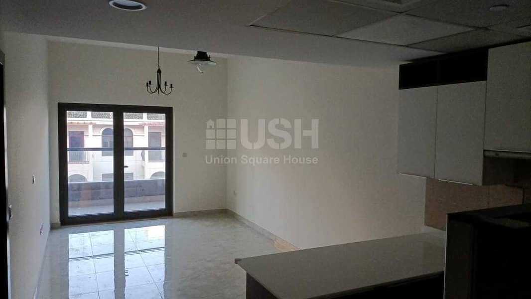 2 Spacious 1BR | Luxury bldg | Well-maintained