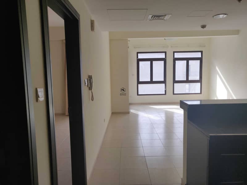 2 Spacious One Bedroom Layout | Laundry Room | Best Priced | Vacant