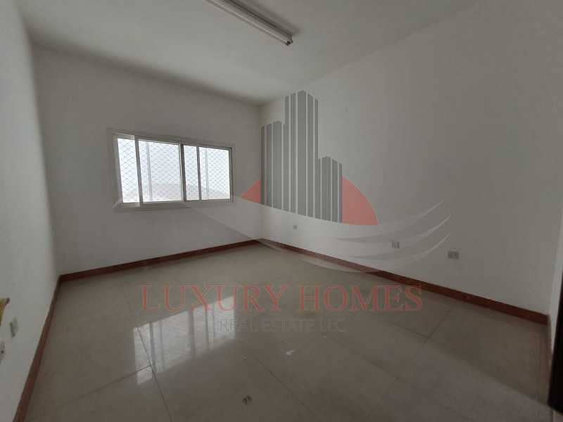 Balcony Huge Hall Bright Apartment Spacious Rooms