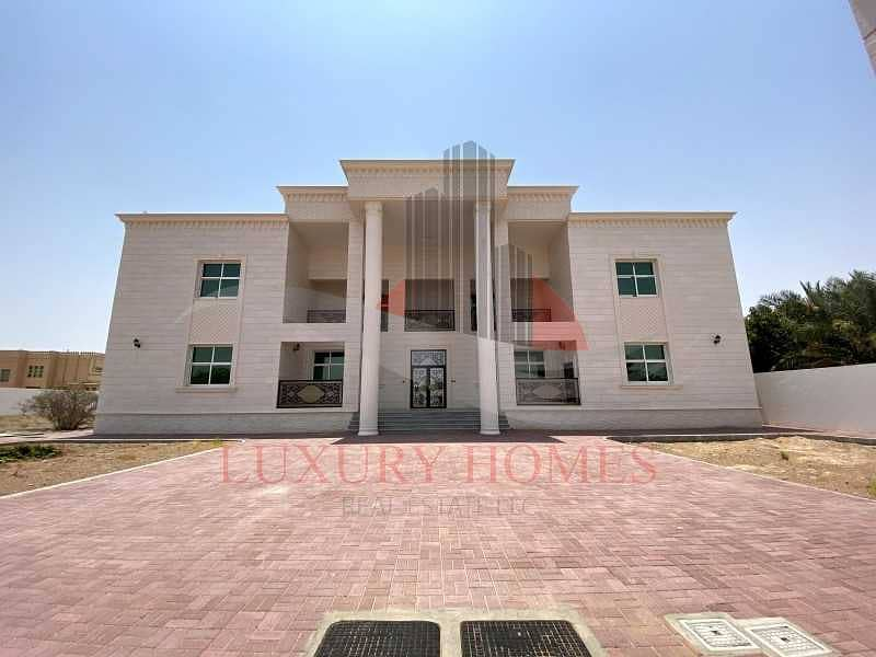 28 Outstanding Villa 2 Separate Majlis and Elevator