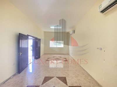 3 Bedroom Villa for Rent in Asharej, Al Ain - Amazing Villa in Compound close to Tawam Hospital