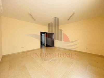 شقة 3 غرف نوم للايجار في المطارد، العین - Absolutely Remarkarable Lifestyle With Maid Room