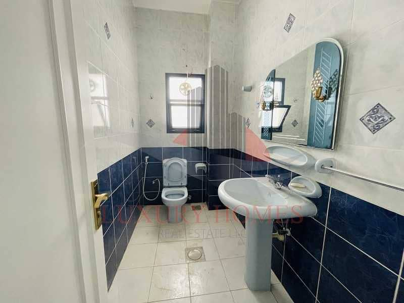 22 Perfect Entertainer with All Facilities Available