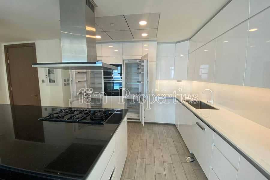 Luxury Apartment in business bay | spacious