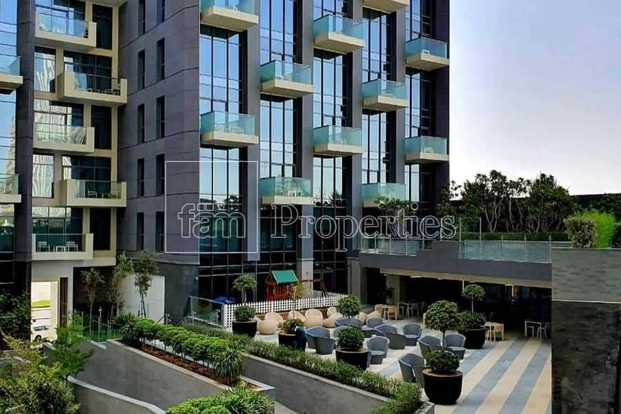 10 Luxury 1BR Apartment in Business Bay