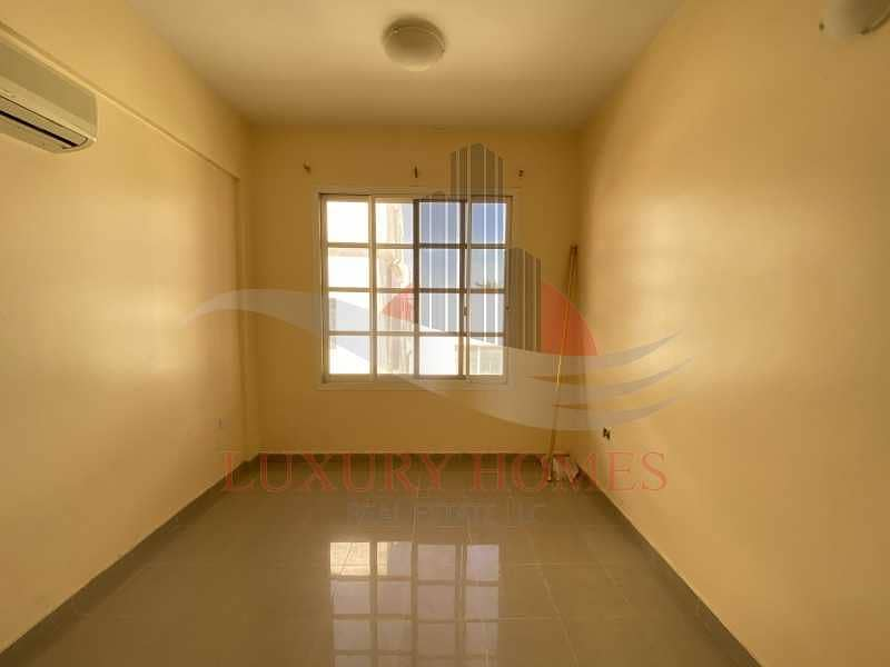 2 Bright and spacious with built in wardrobes