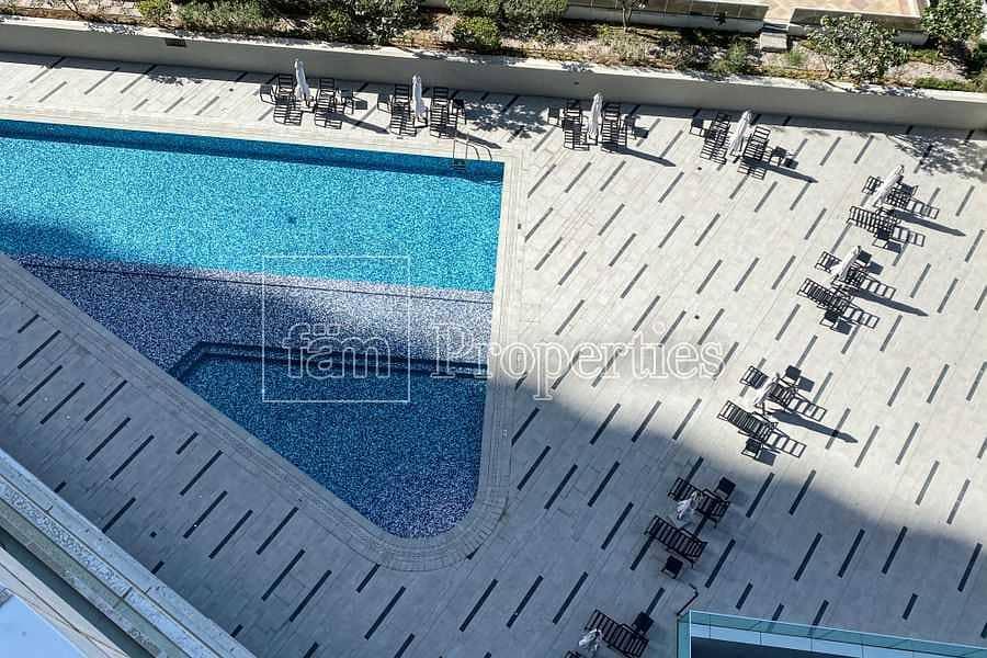 17 Clean Lines   Exquisite Finish   Burj View