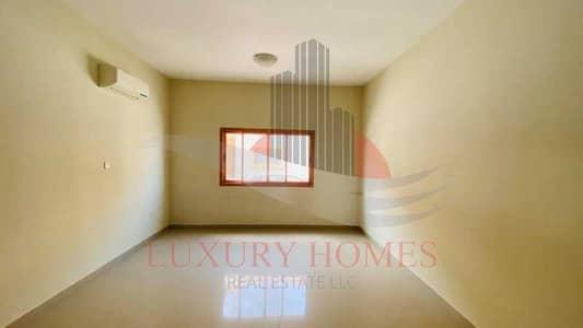فیلا 4 غرف نوم للايجار في عشارج، العین - Cutting edge bright duplex compound Villa
