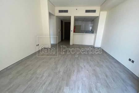 1 Bedroom Apartment for Rent in Business Bay, Dubai - Spacious Unit -Stables views-Mid floor
